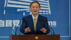 Parlamento designa Yoshihide Suga novo primeiro-ministro do Japão