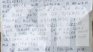 """""""A minha mãe ama-me muito"""": A carta deixada ao lado do bebé abandonado no Cacém"""