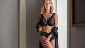 Júlia Palha exibe curvas em nova produção sensual