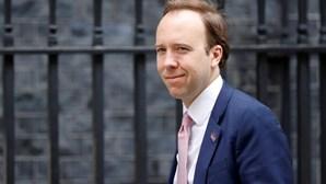 Reino Unido admite segundo confinamento após aumento de casos de Covid-19