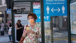 Suécia muda estratégia para combater a Covid-19 e limita reuniões em espaços públicos