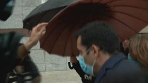 António Joaquim à chegada do tribunal para conhecer nova medida de coação