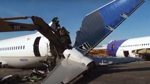 Os reis da sucata: Desmanche de aviões dispara