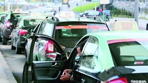 Dupla ataca sete taxistas com golpe mata-leão no Porto