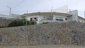 Dois mortos em lar com 36 casos de Covid-19 no Vimioso