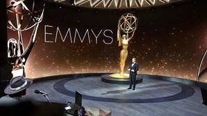 """""""Succession"""" é a série do ano, """"Watchmen"""" e """"Schitt's Creek"""" arrebatam noite de Emmys"""