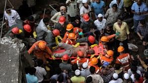 Pelo menos oito mortos em desabamento de prédio em Maharashtra na Índia