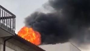 Incêndio deflagra em churrasqueira em Arcos de Valdevez. Veja as imagens