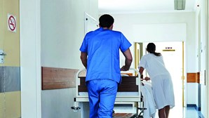 Enfermeiros sem folgas há mais de meio ano