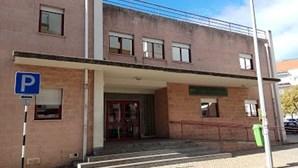 Médica agredida a murro e com puxões de cabelos em Almada