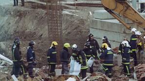 Queda de parede em Setúbal provocou a morte a 5 operários em 2012. A tragédia continua sem culpados