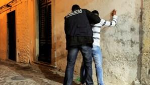 Jovem 'terror' de 16 anos faz 14 assaltos a estudantes em Almada