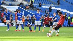 Bruno Fernandes salva Manchester United nos descontos