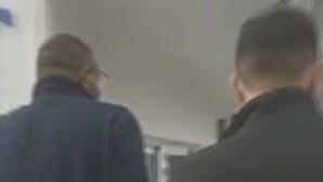 Pai em fúria ameaça em escola de Seia por alegado caso de Covid-19 não reportado