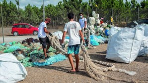 Drones a recolher lixo das praias após 2022