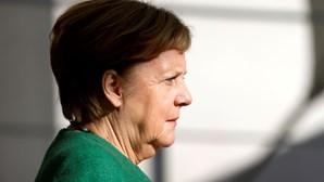 Merkel equaciona novas medidas após aumento de casos de coronavírus na Alemanha
