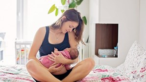 Será que o leite materno protege contra a Covid-19? Estudo responde