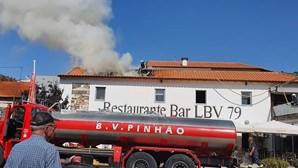 Incêndio destrói cozinha de restaurante no Pinhão