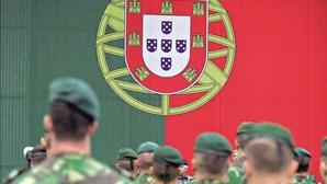 """Ministério da Defesa proíbe expressões como """"porta-te como um homem"""" e """"deixa-te de mariquices"""""""