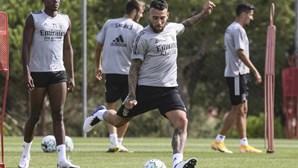 Otamendi realizou primeiro treino ao serviço do Benfica