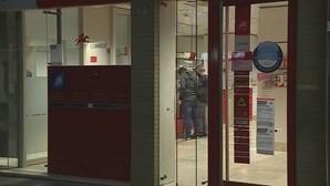 Dupla assalta loja dos CTT em Rio Tinto e foge