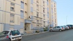 Trabalhadores iam pintar prédio em Torres Vedras e deparam-se com bebé morto em varanda
