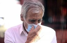 Jerónimo de Sousa ajeita a máscara em declarações à imprensa no segundo dia de evento