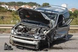 Colisão entre dois carros faz dois feridos em Alcoentre