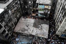 Desabamento de prédio na Índia