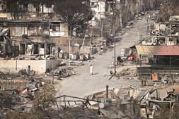 Incêndio devastou o campo de refugiados de Moria, em Lesbos, que acolhia 12 mil pessoas