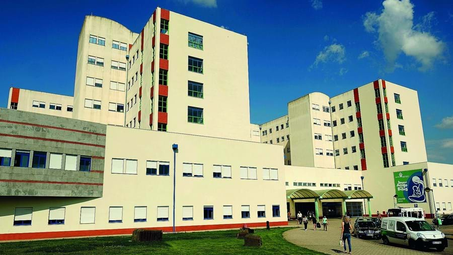Duas enfermeiras com Covid-19 trabalham no hospital de Viseu, onde vários colegas foram também testados