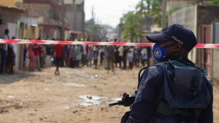 Polícia Angola