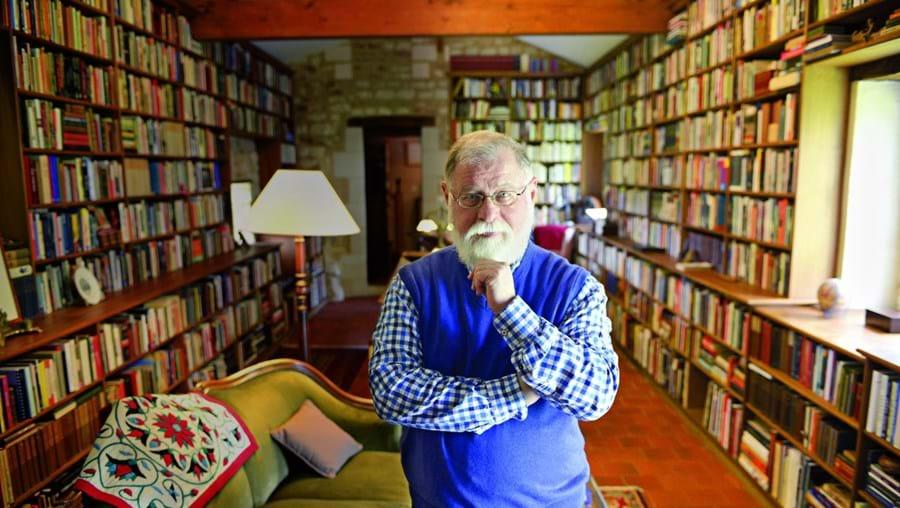 Alberto Manguel tem 72 anos. É ensaísta, organizador de antologias, tradutor, editor e romancista