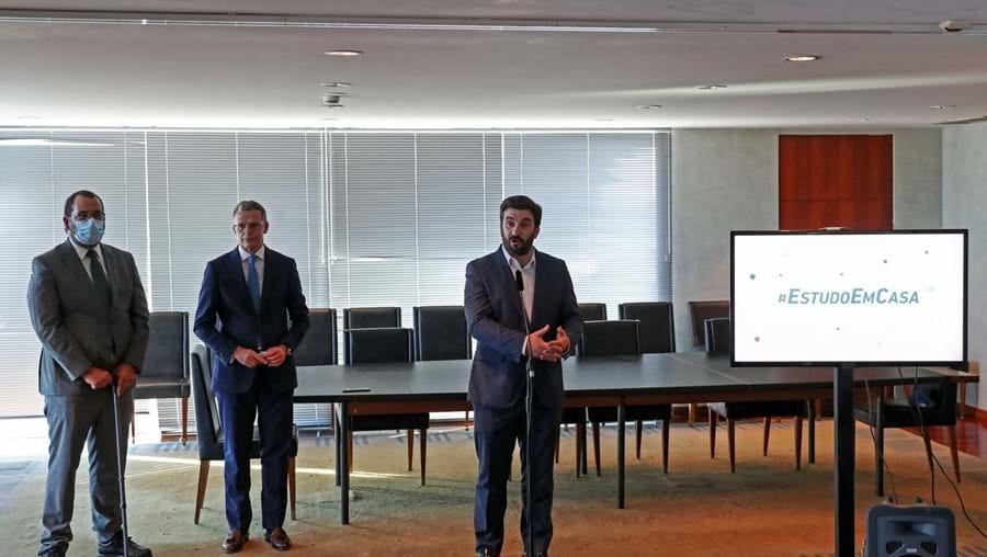 Gonçalo Reis, presidente da RTP, e Tiago Brandão Rodrigues, ministro da Educação, apresentaram novidades do projeto