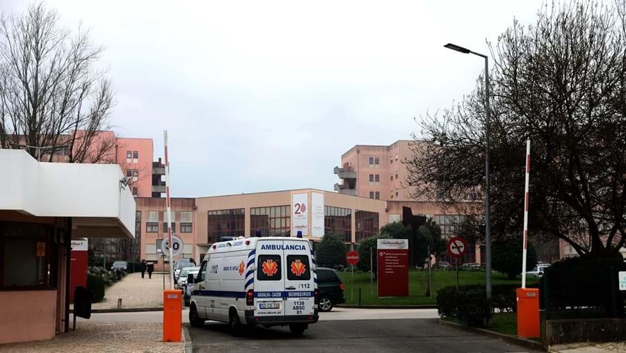 Reforço dos profissionais de saúde no Hospital Amadora-Sintra foi reclamado pelas autarquias junto do Governo