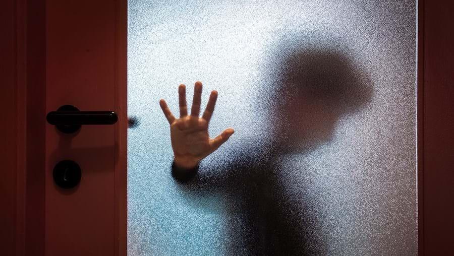 Abusos sexuais foram denunciados pelo mais novo dos irmãos, que relatou à mãe o que acontecia durante as explicações