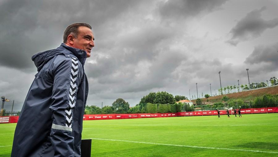"""Carlos Carvalhal: """"Conseguir o equilíbrio da equipa em todas as situações  é o que dá trabalho"""""""