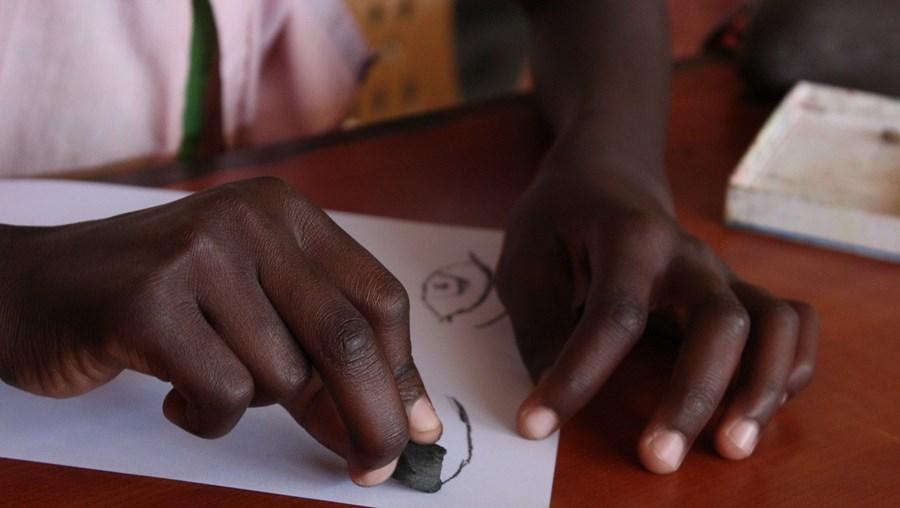Alunos na escola em África