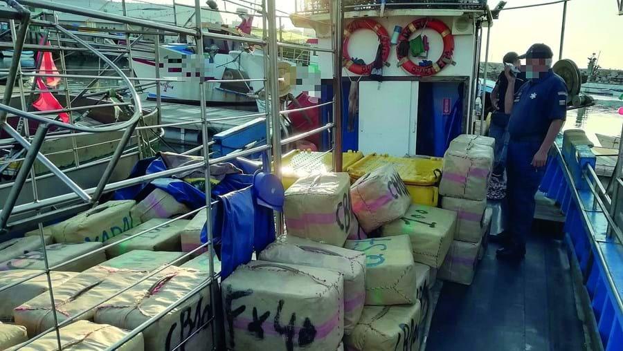 Embarcação de pesca apreendida pela Polícia Marítima está registada em Quarteira para a pesca do polvo