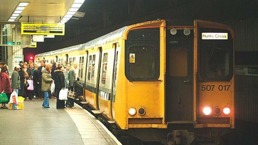 Pedófilo morre atropelado por comboio no dia de julgamento