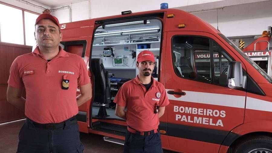 Bebé prematura nasce em ambulância