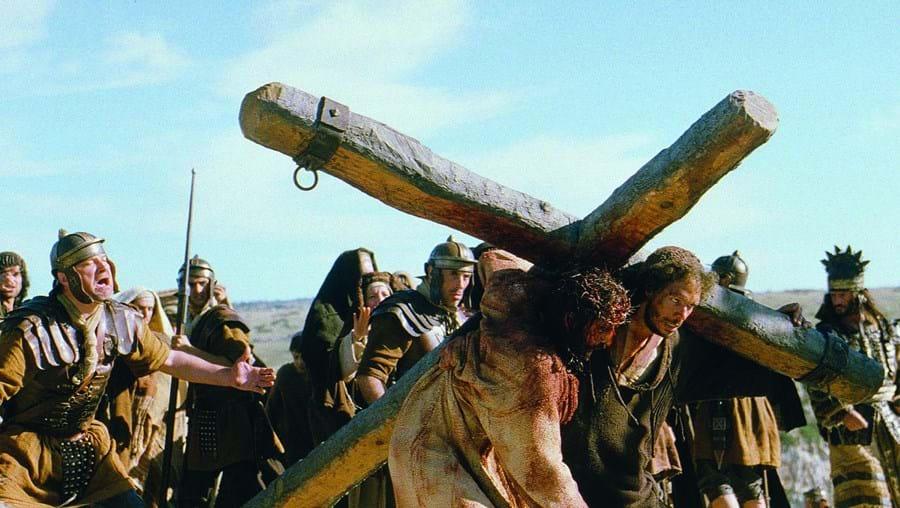 'A Paixão  de Cristo' foi um sucesso de bilheteira mundial em 2004. Filme (muito controverso) é protagonizado por Jim Caviezel