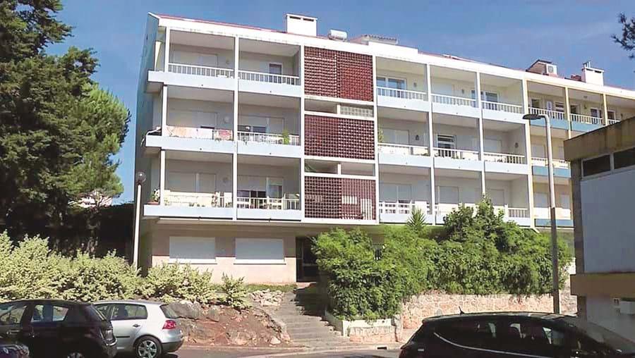 Assalto ocorreu neste prédio a 9 de setembro. Acabou na morte do coronel Mário de Almeida, de 90 anos