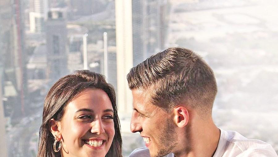 April Ivy e Rúben Dias namoram há cerca de dois anos