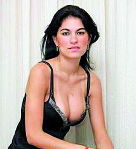 Eliza Samúdio, modelo, tinha 25 anos. O corpo nunca foi encontrado. Terá sido assassinado por causa da pensão de alimentos