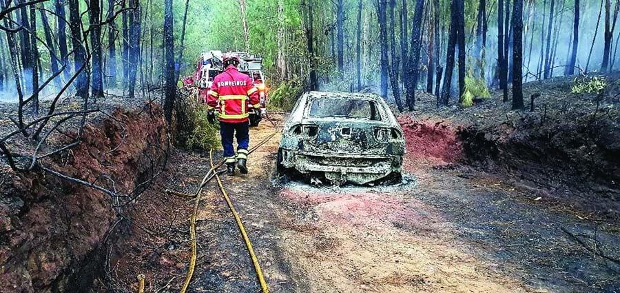 Carro utilizado foi queimado em Barcelos