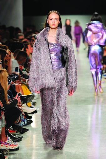 Casacos sofisticados, elegantes e intemporais são aposta primordial de Fátima Lopes para os meses frios