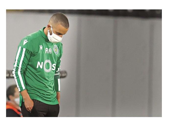 Rúben Amorim está assintomático, como os restantes nove elementos do Sporting (oito dos quais são jogadores) infetados com Covid-19