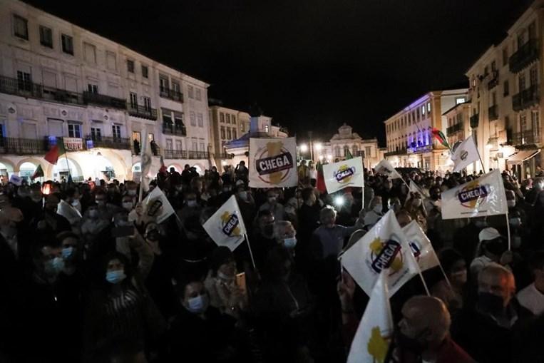 Marcha do Chega em Évora com poucos cuidados sanitários