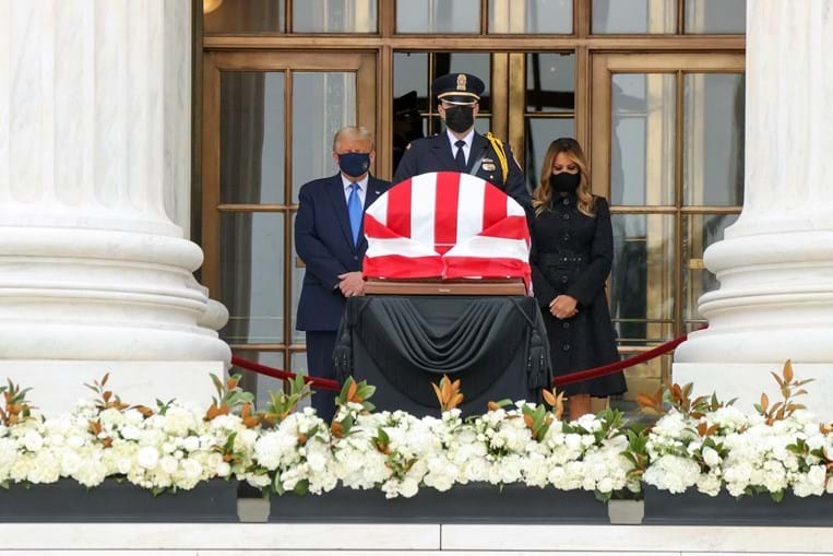 Donald Trump e Melania Trump no funeral de Ruth Bader Ginsburg